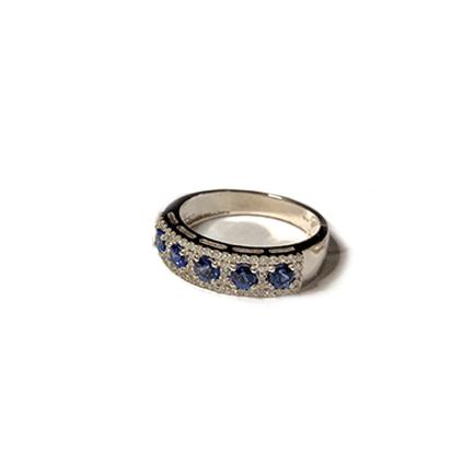 Anello con cinque zaffiri e diamanti di Casa Torelli