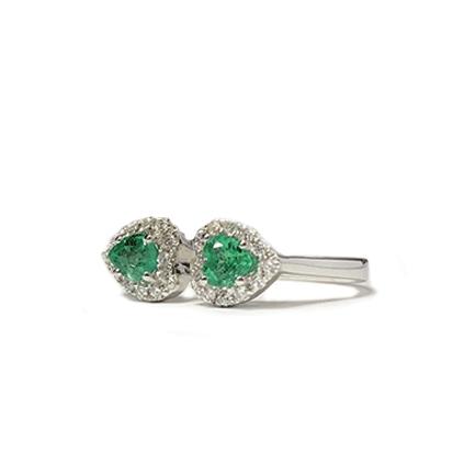 Anello con due cuori di smeraldo e diamanti Casa Torelli