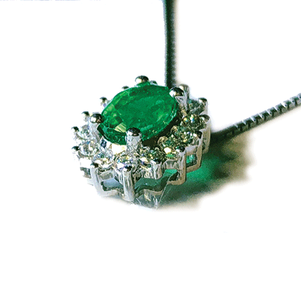 Pendente a stella con smeraldo e diamanti Casa Torelli