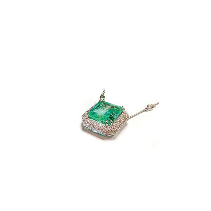 Collane con smeraldi